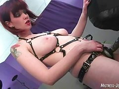 Mistress Sidney is a squirter