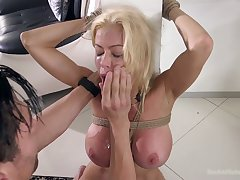 Blindfolded busty blonde MILF Alexis Fawx deserves some abiding mouthfuck